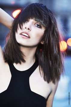 All the latest hairstyles and trends for The must have haircuts and colours setting the style this season, tips and tricks for gorgeous hair. 2015 Hairstyles, Hairstyles With Bangs, Trendy Hairstyles, Straight Hairstyles, Beautiful Hairstyles, Black Hairstyles, Angelo Seminara, Medium Hair Styles, Short Hair Styles