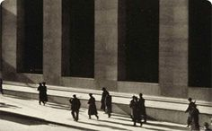 Along with Edward Weston and Alfred Stieglitz, Paul Strand was one of the defining masters of early American modernist photography. Strand was introduced to photography by the renowned social docum… Edward Weston, Edward Hopper, Edward Steichen, Alfred Stieglitz, History Of Photography, Modern Photography, Street Photography, Photography Magazine, Photography Photos