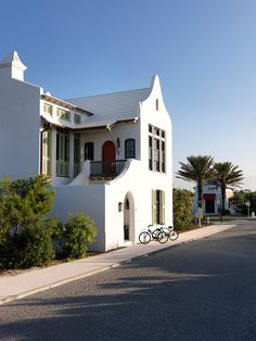 Mohon Imber Architects - this page is from a Russian blogger, but I figured out this exactly where this house it.  It's the new development (GORGEOUS!) east of Rosemary Beach & Seaside, in Alys Beach, Florida