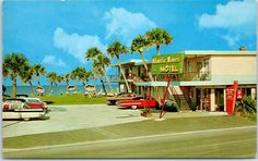 "Daytona Beach, Florida Postcard ""ATLANTIC WAVES MOTEL"" Front View w/ 1950s Cars"