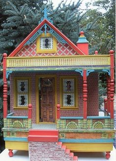 A Blissful House created by Jane Young, Place Winner in HBS's Annual Creatin Contest. Idea for Emelia's doll's house Vitrine Miniature, Miniature Rooms, Miniature Houses, Dollhouse Design, Dollhouse Dolls, Dollhouse Miniatures, Victorian Dollhouse, Fairy Houses, Play Houses