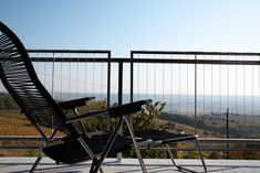 #balcony #spaghettisessel #jankurtz #unterkunftmitaussicht #tinyhouse #kellerstöckl #weinstöckl #visitburgenland #holidaywithaview Porch Swing, Outdoor Furniture, Outdoor Decor, Balcony, Home Decor, Modern Cottage, Armchair, Decoration Home, Room Decor