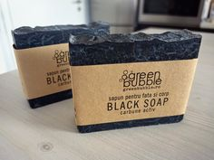 Black Soap - Săpun cu Cărbune Activ 🖤🌑♣️ pentru fete şi băieţi. Un săpun uşor exfoliant recomandat pentru curăţarea feţei, demachiere şi ras. Primul lot aşteaptă livrarea! #GreenBubble #blacksoap #black #carbune #sapun #sapunnatural #realizatmanual #artizanal Handmade Cosmetics, Black Soap, Fragrance, Vegan, Natural, Perfume, Au Natural