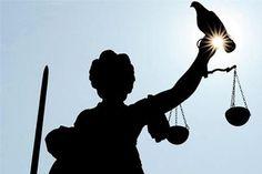 Sehr oft machen Gerichtsverhandlungen rund um das Thema Spielsucht Schlagzeilen in der aktuellen Presse. Und auch bei dem aktuellen Fall vor dem Bundesgerichtshof wurde darüber diskutiert, ob die Spielsucht eine Straftat rechtfertigt. Mit der Entscheidung, die durch den Bundesgerichtshof getroffen wurde, wurde die Entscheidung des Landgerichts Göttingen bestätigt.