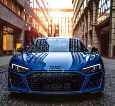 Beautiful in ara blue💙 📸: Partner pages: by Sport Photography Audi A5 Coupe, Audi Tt Roadster, Audi Tt Cabrio, Audi Tt 8n, Audi R8 Blue, Black Audi, Audi Rs8, Toyota Mr2, Audi Sport