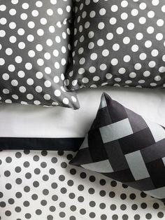 IKEA Stenklover Duvet Cover Classic black and white Polka dot pattern