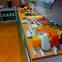 Ventatges de treballar a un hotel :) having breakfast :)