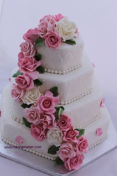 Romantic Wedding Cake Wedding cake covered in marzipan. Roses are made of gumpaste and marzipan. Wedding Cake Roses, Amazing Wedding Cakes, Amazing Cakes, Wedding Flowers, Pretty Cakes, Beautiful Cakes, Wedding Cake Inspiration, Wedding Ideas, Diy Wedding