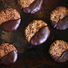 Grown Up Dark Choc Quinoa Cookies