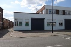 TO LET • B1 Warehouse & Office Unit • 1,193 SQ FT (110.83 SQ M) • Unit 1, Arrow Business Centre, 19 Aintree Road, Perivale UB6 7LA • Electric roller shutter door • 3 phase power • WC & Kitchenette • Allocated car parking • Website Link http://www.telsar.com/property-details/28586/b1-warehouse-unit-to-let