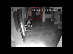 So you don't believe in life after death? This video of a spirit leaving a dead body in a hospital might change your mind. Scary Ghost Videos, Scary Ghost Stories, Scary Gif, Scary Faces, Real Ghost Photos, Ghost Pictures, Creepy Pictures, Ghost Pics, Ghost Caught On Camera