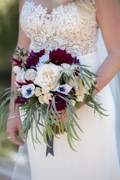 Denver Colorado wedding venue - Villa Parker - bouquet, bride, wedding dress