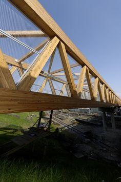 Bridge Structure, Timber Structure, Sky Bridge, Pedestrian Bridge, Bridge Wallpaper, Bridge Design, Wood Construction, Architecture Details, Facade