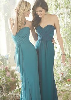 Bridesmaid dresses: JLM Couture