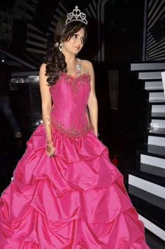 Pretty Princess!! @Drashti Shah Dhami Indian Tv Actress, Indian Actresses, Prom Dresses, Formal Dresses, Wedding Dresses, Drashti Dhami, Desi Wear, Pink Gowns, Hot Couples