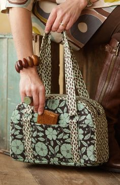 In-Style Suitcase Bag – IJ913 sewing pattern from IndygoJunction.com  $9.99