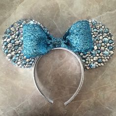 Bedazzled Queen Elsa Minnie Mouse Ears by MouseketeerEars on Etsy Disney Mickey Ears, Disney Bows, Disney Diy, Disney Crafts, Disney Cruise, Disney Headbands, Ear Headbands, Mouse Ears Headband, Disney Style