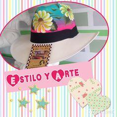 Sombreros pintados a mano Beret, Caps Hats, Handmade, Painting, Beach, Mardi Gras, Hard Hats, Mosaics, Ganchillo