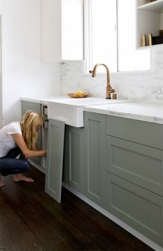DIY shaker cabinet doors how to make shaker cabinet doors kitchen remodel ideas