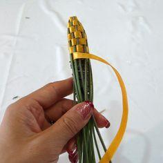 http://www.heartfish.com/2008/10/02/diy-mini-herb-bouquet-lavender-stick/