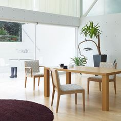 Natural dining room. #FLYMEe #interior #twitter #diningroom #diningroomdecor #diningroomtable #diningroomchairs #diningroomdesign #homeandliving #naturalinterior #interiorinspiration #interiordecorator #interiørstyling #interiorlove #interiorforall #interior4inspo #interior2all #interiorharmony #homedecors #homeinspiration #homestyle #cozyhome #cozyroom #instahomedecor #instainterior #instahome #roominterior #roominspiration #roomideas #homeadore Dining Room Design, Dining Room Chairs, Dining Table, Room Inspiration, Interior Inspiration, Interior Styling, Interior Decorating, Circle Rug, Natural Interior