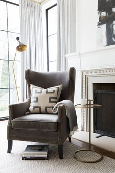 Art Deco home renovation in Atlanta, Georgia. Art Deco Interior Living Room, Home Interior Design, Living Room Designs, Living Room Decor, Living Spaces, Interior Livingroom, Casa Art Deco, Art Deco Home, Design Studio