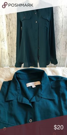 EUC LOFT blouse Beautiful teal color. Great with a cami. LOFT Tops Button Down Shirts