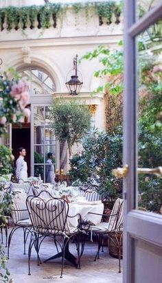 Life in a French Dream. (The Ritz Hotel courtyard, Paris, France) Paris Hotels, Restaurants In Paris, Hotel Paris, Restaurant Paris, Ralph's Paris, The Ritz Paris, Romantic Restaurants, Luxury Restaurant, Montmartre Paris