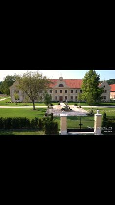 Mansions, Interior Design, House Styles, Home Decor, Nest Design, Decoration Home, Manor Houses, Home Interior Design, Room Decor