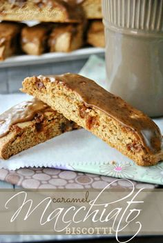 Caramel Macchiato biscotti made with vanilla and caramel bits. Perfect for breakfast with a cup of coffee!