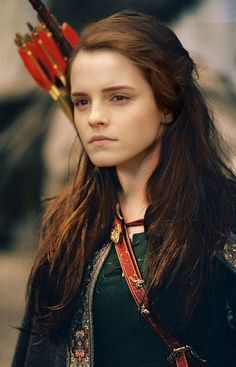 Kinda looks like Emma Watson...wearing the costume of Susan Pevensie. Weird