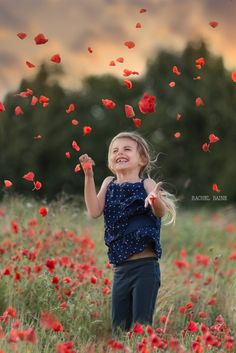 Portraits in the Mildenhall Poppy Field. Lakenheath Family Photographer – Suffolk – Rachel Baine Photography