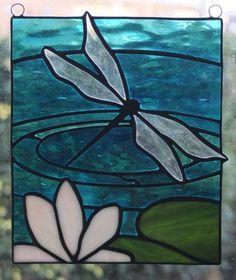 Tiffany raamdecoratie - Libelle met Waterlelie
