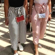 Bow pants and high waisted pants styling ideas - just trendy girls trendy o Business Casual Outfits, Classy Outfits, Stylish Outfits, Fashion Pants, Fashion Models, Fashion Outfits, Womens Fashion, Fashion Fashion, Casual Chic