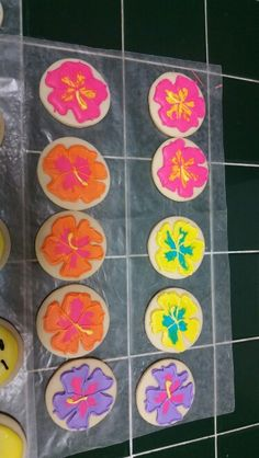 Hibiscus Flower Cookies - Amy's Crazy Cakes