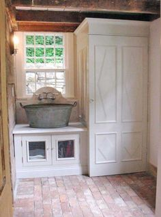 Nice look for a mudroom