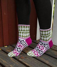 Ravelry: Blomma sock pattern by Lill C. Schei