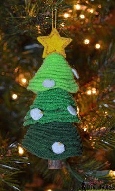 Easy handmade ornament, stacked felt Christmas Tree ornament.