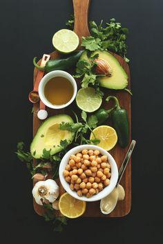 Creamy Roasted Jalapeno Hummus! #vegan #glutenfree #healthy