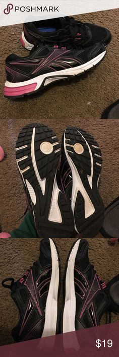 REEBOK walking/running/gym shoe Size 7.5 true to size pink and black. Bought for work and didn't like them. Have been sitting in my closet. Worn maybe 5 times indoors.. just didn't work out. Cushioned/memory foam soles Reebok Shoes Athletic Shoes