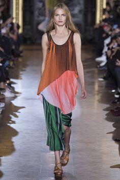Stella McCartney Spring 2016 Ready-to-Wear Fashion Show - Annika Krijt (Elite)