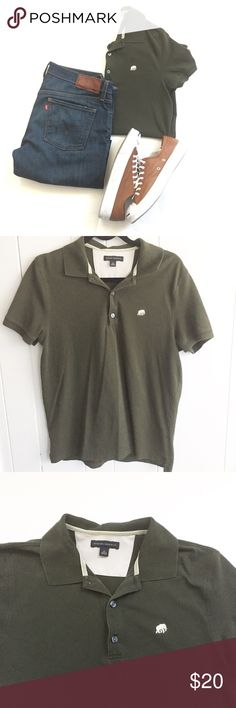 Banana Republic Olive Polo Sz M Banana Republic Olive Green polo shirt. Size medium EUC. Jeans and sneakers not for sale - inspiration only. Banana Republic Shirts Polos