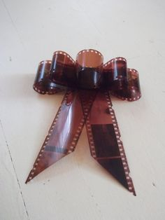 Photo Negative Gift Bow 1 by GlimpseoftheAlloy on Etsy Dark Room Photography, Tattoo Photography, Diy Photo, Photo Negative, Photo Projects, Art Projects, Gift Wraping, Idee Diy, Gift Bows