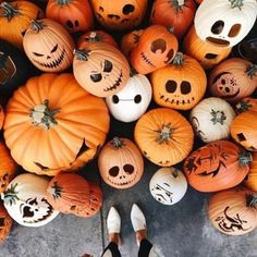 pumpkin, fall, and Halloween image Halloween Season, Spooky Halloween, Holidays Halloween, Halloween Pumpkins, Happy Halloween, Halloween Makeup, Halloween 2019, Spirit Halloween, Halloween Tumblr