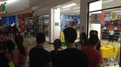 Provoca alerta filtración de agua en la Coppel de plaza Forum - Punto MX