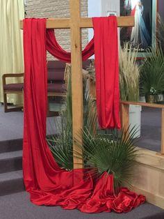 Church Altar Decorations, Church Christmas Decorations, Christmas Stage Design, Church Stage Design, Flower Arrangement Designs, Church Flower Arrangements, Cura Interior, Alter Decor, Church Banners