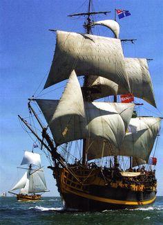 De Etoile du Roy, toen met de naam Grand Turk, is in 1996 te Marmaris, Turkije gebouwd als een replica van een fregat tijdens de jaren van Admiraal Nelson