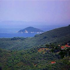 Remember me to one who lives there,  for he once was a true love of mine #photooftheday#webstagram#wanderlust#scenery#blue#landscape#liveauthentic#panorama#nature#canon#earth#getoutside#wonderful_places#تصويري#عدستي#summer#beautifuldestinations#beauty#صباح_الخير#exklusive_shot#sunshine#scenery#surfing#mountains#aroundtheworldpix#landscape_lovers#20likes#like4like#perspective#vscocam#architecture