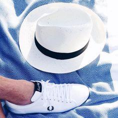 SORTEO: mañana sabremos quién es el ganador de unas zapatillas @fredperry_1952 como éstas. Recuerda: deja un comentario con el hashtag #fredperryshoes diciendo por qué las quieres necesitas deseas... PARTICIPA! by arthurgilbordes