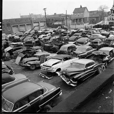 This photo of an unidentified junkyard has been floating around the Internet for so long, we actually used it once before as a tip-in image in a Four-Links post Classic Chevy Trucks, Classic Cars, Hue, Junkyard Cars, Wrecking Yards, Used Car Lots, Car Barn, Automobile, Rusty Cars